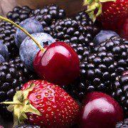 Tasty-Summer-Fruits-On-A-Woode-46208980-e1440035721383-2